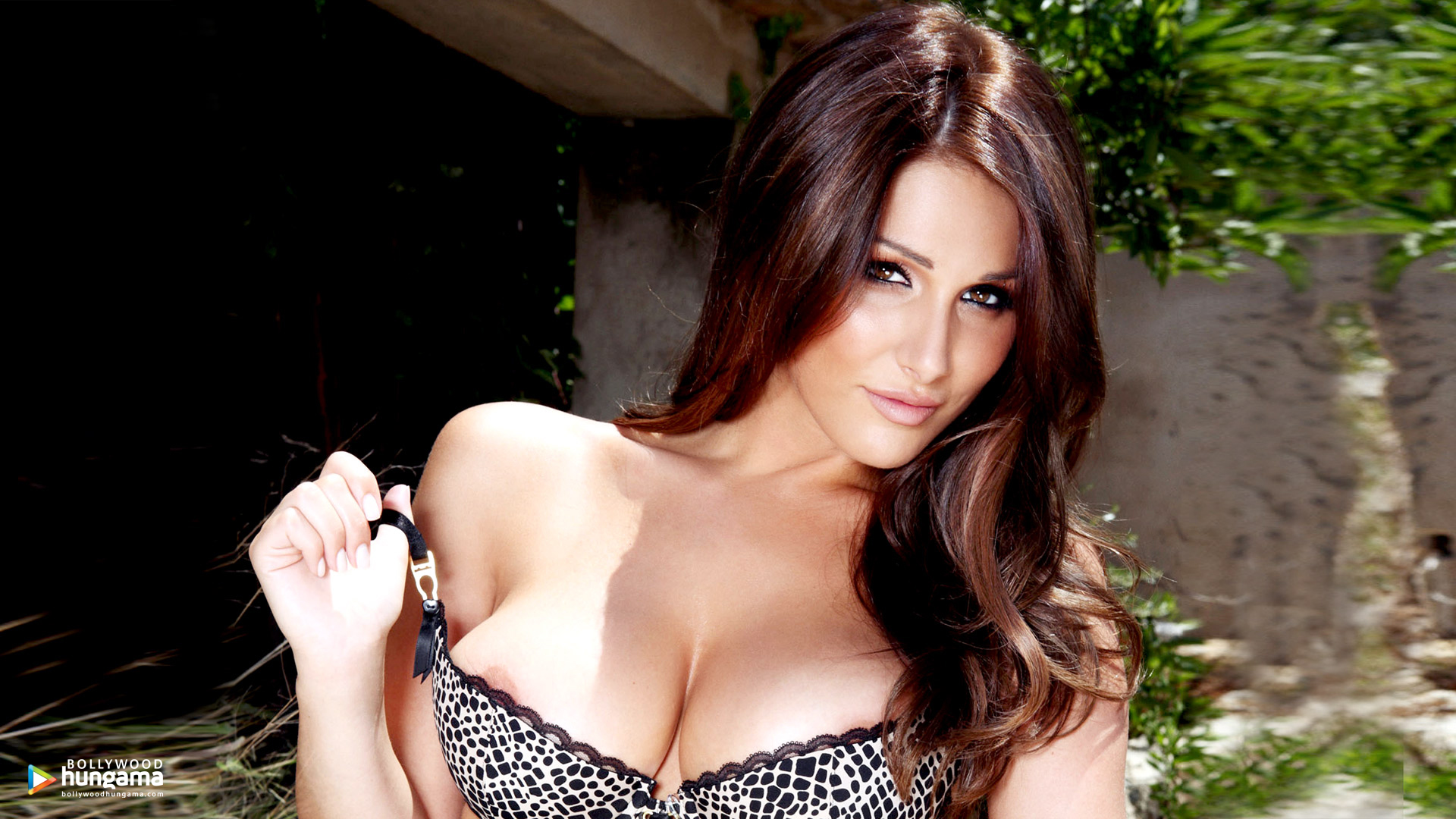 Pinder pics lucy Lucy Pinder