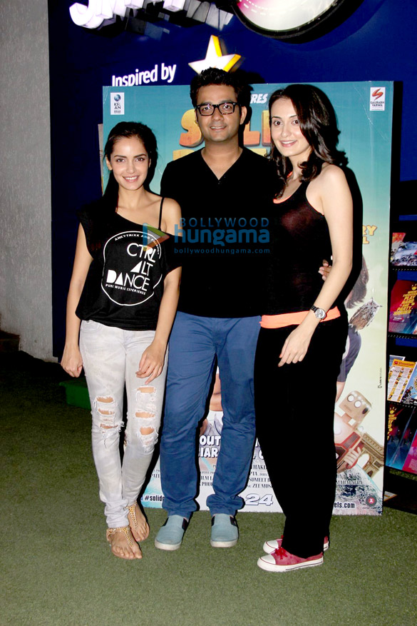 Cast of 'Solid Patels' promote their film at Smassh