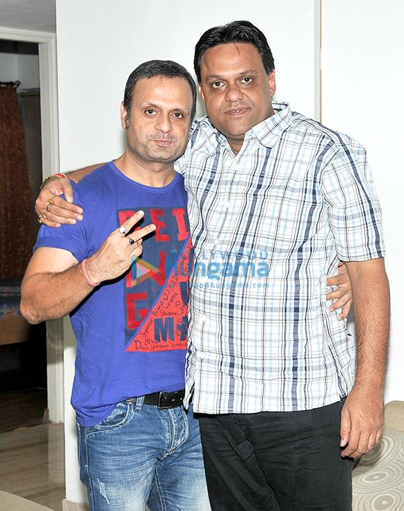 Avadh Sharma celebrates his birthday with the cast of his film 'Ek Kahani Julie Ki'