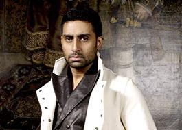 Who's planting stories about Abhishek Bachchan walking out of Hera Pheri 3?