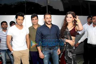 Riteish Deshmukh, Indra Kumar, Salman Khan, Urvashi Rautela