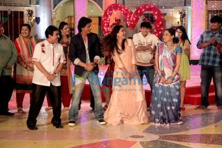 Dilip Joshi, Shah Rukh Khan, Kajol, Disha Vakani
