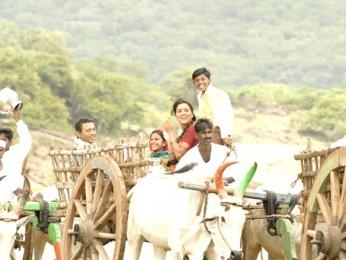 Movie Still From The Film Billu,Irrfan Khan,Lara Dutta
