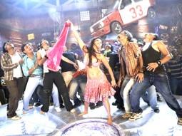 Movie Still From The Film Krazzy 4,Rakhi Sawant,Makrand Deshpande