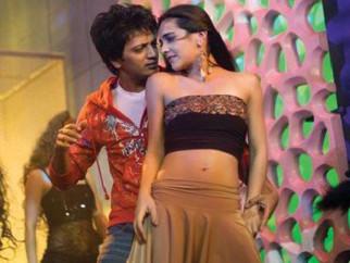 Movie Still From The Film Heyy Babyy,Riteish Deshmukh,Tara Sharma
