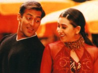 Movie Still From The Film Chal Mere Bhai Featuring Salman khan,Karisma Kapoor