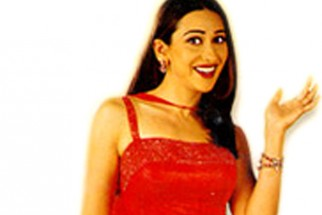 Movie Still From The Film Chal Mere Bhai Featuring Karisma Kapoor
