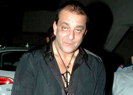 Sanjay Dutt goes to Rishi Kapoor's house for impromptu party