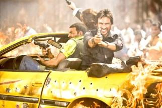 Movie Still From The Film Tashan,Akshay Kumar,Saif Ali Khan