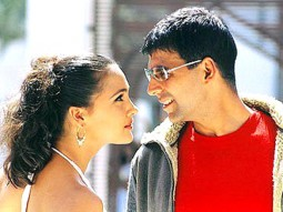 Movie Still From The Film Aan Featuring Lara Dutta,Akshay Kumar