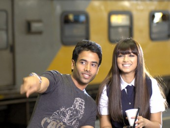 Movie Still From The Film Kya Love Story Hai,Tusshar Kapoor,Ayesha Takia Azmi