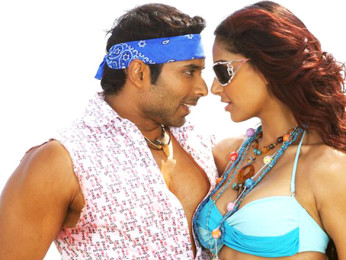 Movie Still From The Film Dhoom 2,Uday Chopra,Bipasha Basu