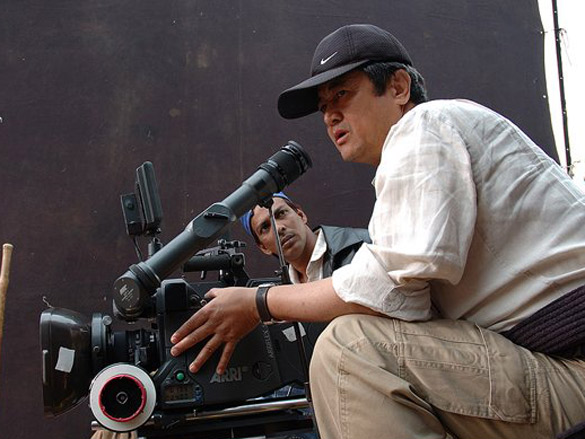 On The Sets Still From The Film Rang De Basanti Featuring Binod Pradhan