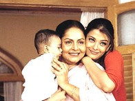 Movie Still From The Film Dil Ka Rishta Featuring Aishwarya Rai,Rakhee