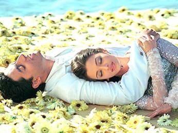 Movie Still From The Film Kuch Naa Kaho Featuring Abhishek Bachchan,Aishwarya Rai