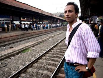 Movie Still From The Film Mumbai Cutting,Deepak Dobriyal