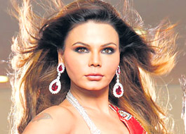Rakhi Sawant in Bengali remake of The Dirty Picture