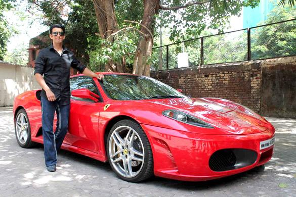 Sharman Joshi promotes 'Ferrari Ki Sawaari' at IIFA 2012