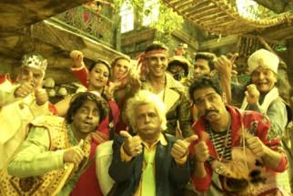 Movie Still From The Film Joker,Sanjay Mishra,Sonakshi Sinha,Akshay Kumar,Shreyas Talpade,Asrani