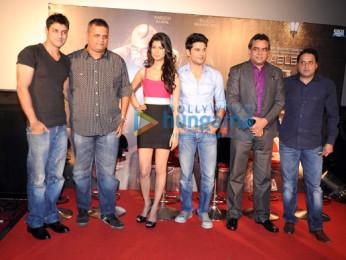 Aditya Datt, Viki Rajani, Tena Desae, Rajeev Khandelwal, Paresh Rawal, Sunil A Lulla