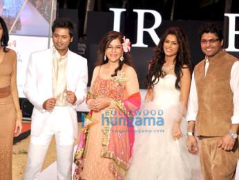 Reshma Gangji, Bhoop Yaduvanshi, Zeenat Aman, Madhurima Tuli, Riyaz Gangji