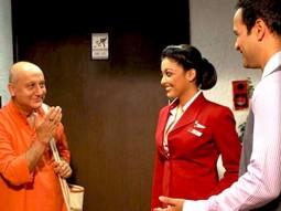 Movie Still From The Film Apartment,Anupam Kher,Tanushree Datta,Rohit Roy
