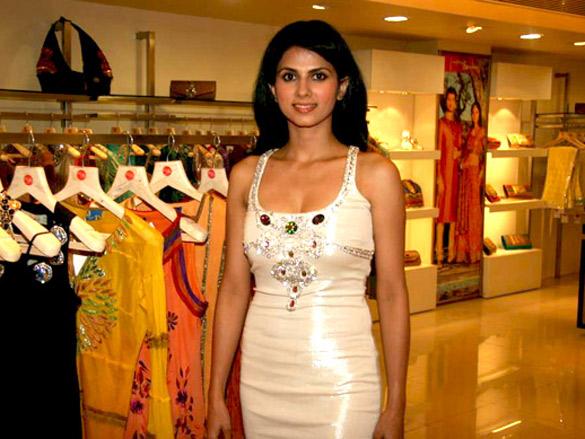 Daisy Boppana at Payal Singhal's exhibition