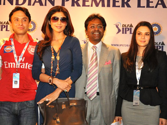 Preity and Shilpa Shetty at IPL Players Auction