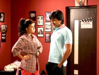 Movie Still From The Film Jaane Kahan Se Aayi Hai,Jacqueline Fernandez,Ritesh Deshmukh