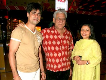Photo Of Sushant Singh,Om Puri,Nandita Puri From Premiere of Baabarr