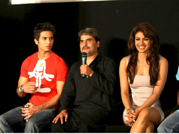 Shahid,Priyanka and others at the film Kaminey's media meet