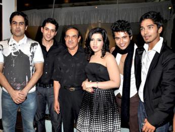 Photo Of Aman Verma,Sameer Aftab,Mehul Kumar,Jahan Bloch,Aditya Singh Rajput,Harsh Rajput From The Team of 'Krantiveer - The Revolution' at the launch of Amboli Bar and Kitchen