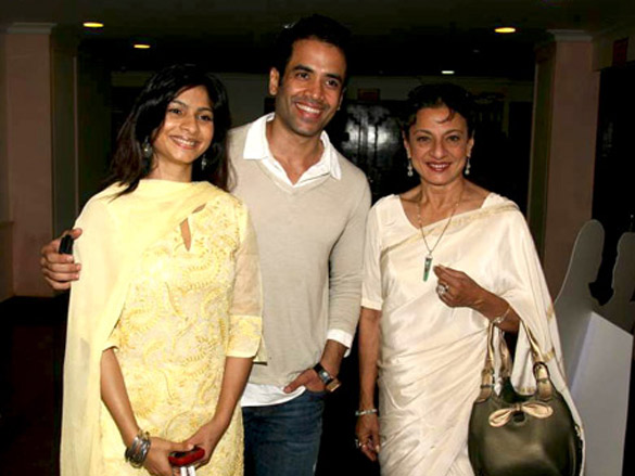 Tanuja, Tanisha and Tusshar at Dignity Film Festival