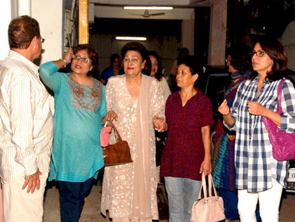 Neetu Singh, Asha Parekh and Helen watch Housefull