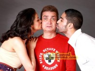 Movie Still From The Film Straight Featuring Vinay Pathak,Anuj Chaudhary,Gul Panag