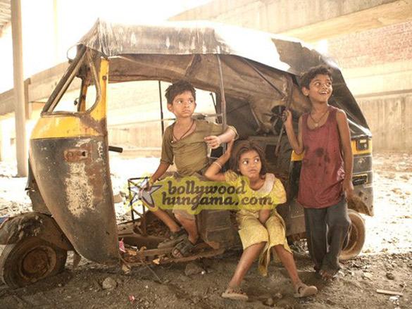 Movie Still From The Film Slumdog Millionaire Featuring Tanay Chheda,Ayush Mahesh Khedekar