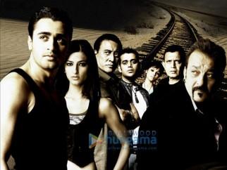 Movie Still From The Film Luck Featuring Sanjay Dutt,Imran Khan,Shruti K. Haasan,Danny Denzongpa