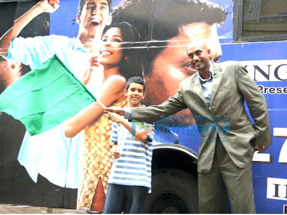 Tanay Flags Off Slumdog Millionaire Express