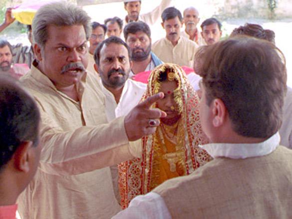 Akhilendra Mishra,Vinay Pathak