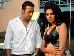 Movie Still From The Film Ek Aadat,Puneet Tejwani,Kashish Dhanoya