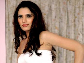 Movie Still From The Film Ek Aadat,Kashish Dhanoya