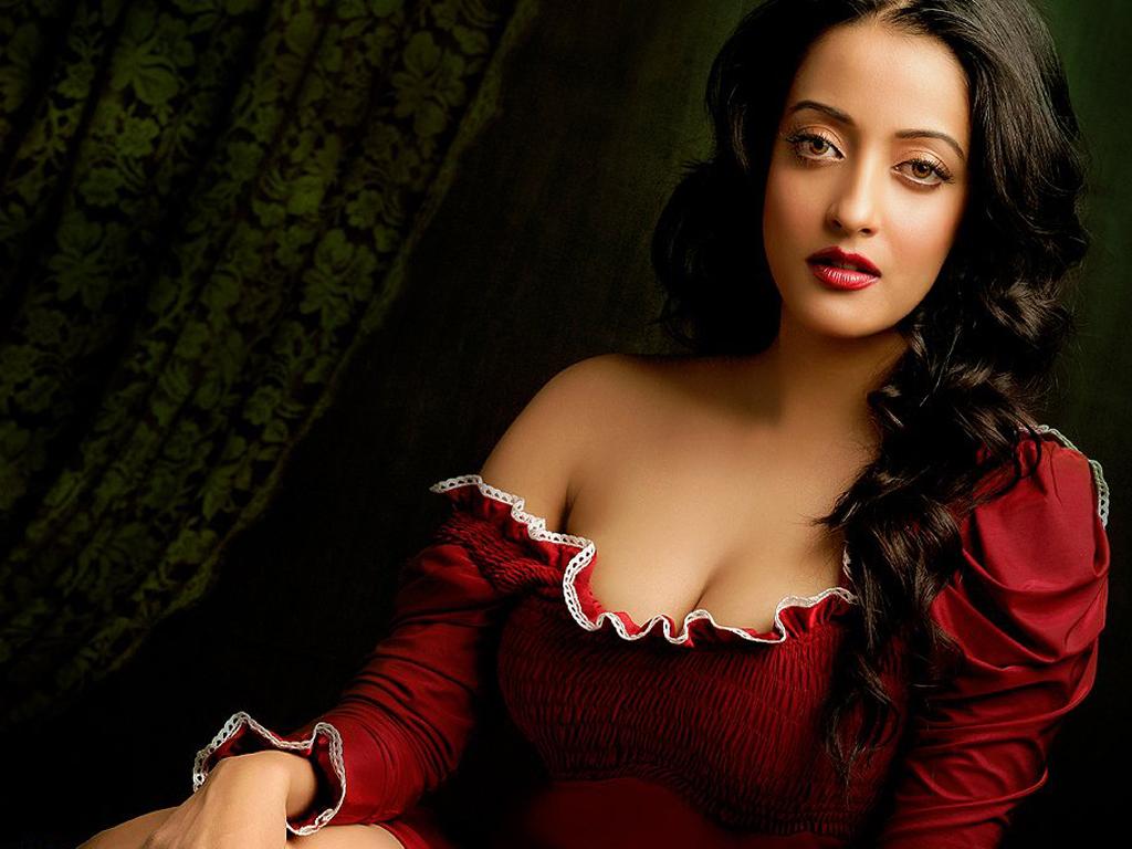 Sexy Hot Bollywood Old Actress