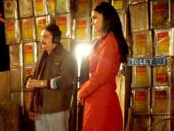 Movie Still From The Film Chalo Dilli,Vinay Pathak,Lara Dutta
