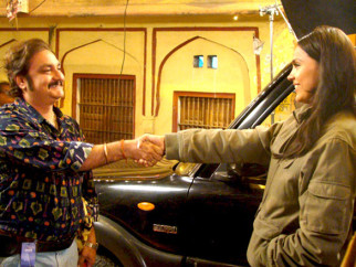 Movie Still From The Film Chalo Dilli,Vinay Pathak,Lara Dutta