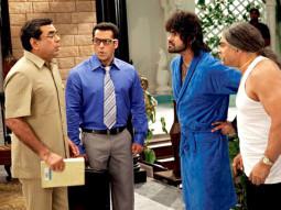 Movie Still From The Film Ready,Paresh Rawal,Salman Khan,Sharat Saxena