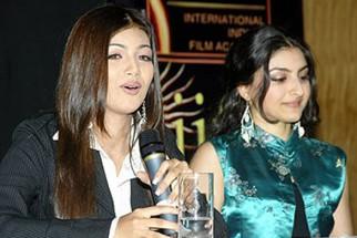 Photo Of Ayesha Takia Azmi,Soha Ali Khan From The Dil Maange More Press Meet At IIFA,Singapore