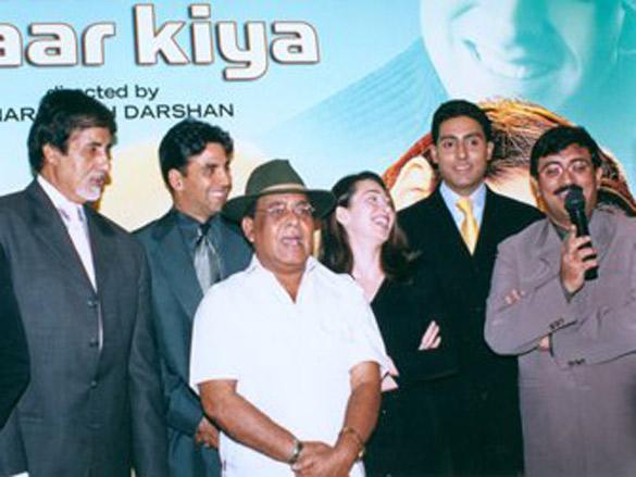 Photo Of Shravan,Amitabh Bachchan,Akshay Kumar,Karisma Kapoor,Abhishek Bachchan,Dharmesh Darshan From The Haan...Maine Bhi Pyaar Kiya Completion Party