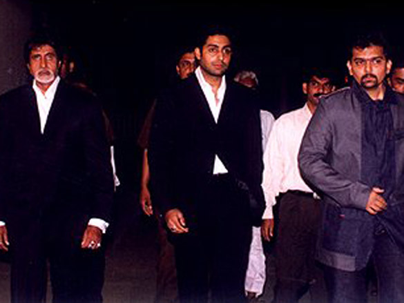 Photo Of Amitabh Bachchan,Abhishek,Gaurang Doshi From The Launch Party Of Gaurang Doshi's Deewaar