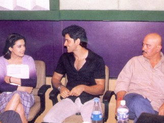 Photo Of Preity Zinta,Hrithik Roshan,Rakesh Roshan From The Mahurat Of Koi Mil Gaya