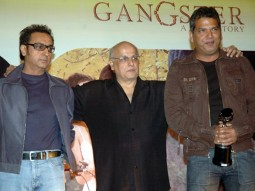 Photo Of Gulshan Grover,Mahesh Bhatt,Raju Khan From The Mahurat Of Awarapan